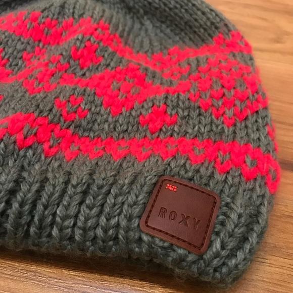 11945d7708c NWOT Roxy Knit Winter Hat. M 5a8e02935512fd7e31d84afe